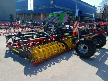 "Trailed seed bed cultivator ""Falcon"""
