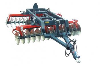"Trailed V-offset disc harrow ""Hector"""